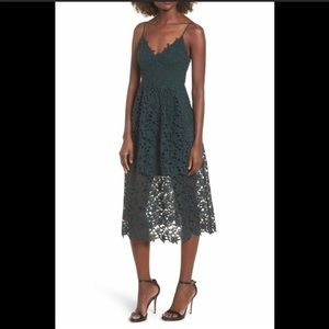 NWT ASTR THE LABEL LACE MIDI DRESS, SIZE LARGE